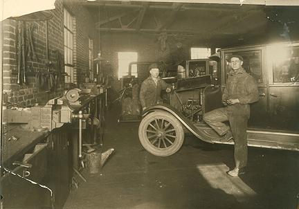 Prentiss Vise Vintage Garage Fuelfed 174