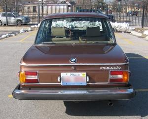 BMW-2002-trunk