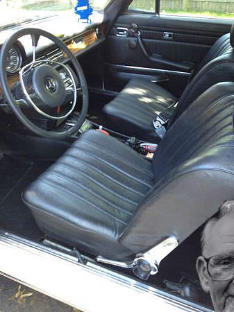 Mercedes-250C-interior
