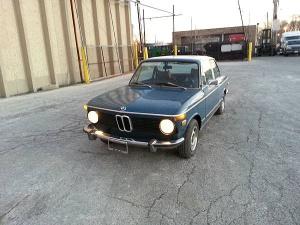 1973-BMW-2002-side
