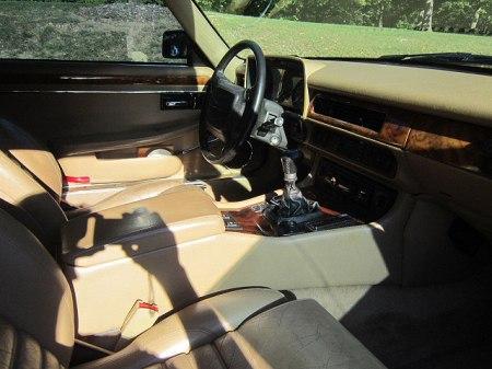 fuelfed-xjs-interior