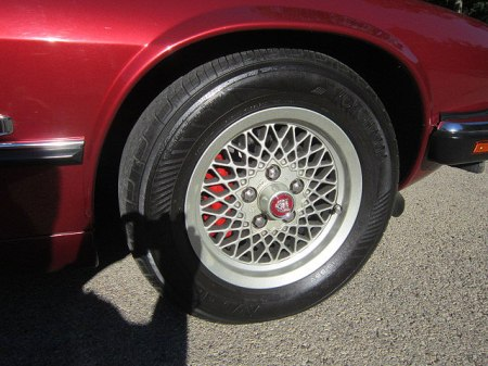 fuelfed_xjs-wheel