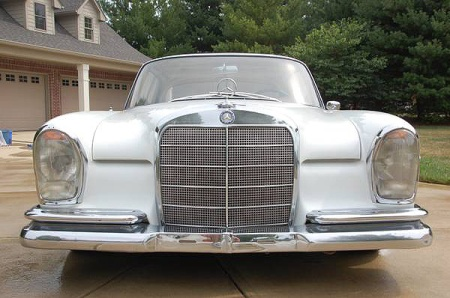 fuelfed-mercedes-300se-coupe-grill