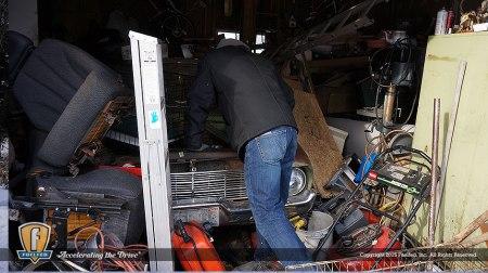 Fuelfed_classic_falcon-barn-find-garage