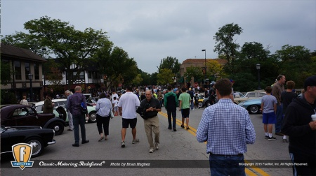 fuelfed-coffee-classic-car-winnetka-crowds