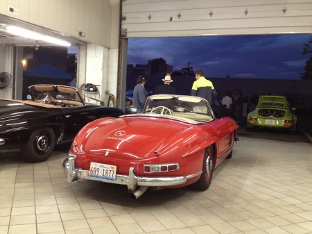 Fuelfed_Garage_Night_Gullwing