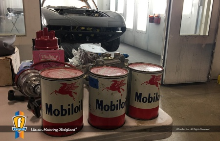 Fuelfed-2019_swap-meet-mobil-oil-cans